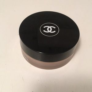Chanel Vitalumiere face powder